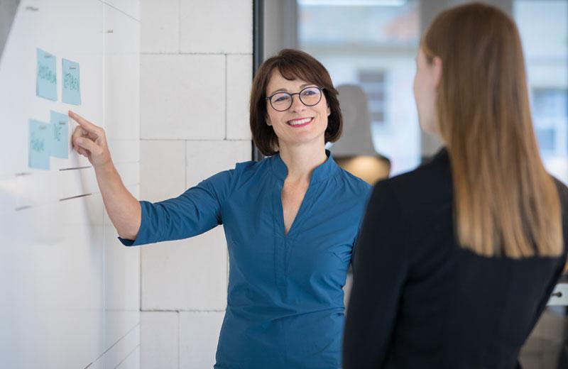 Karin Gräppi ist Mentorin für Führungsfragen